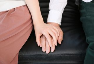 couple_in_sofa1.jpg